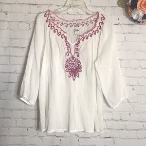 NWOT Old Navy boho Embroidered peasant top